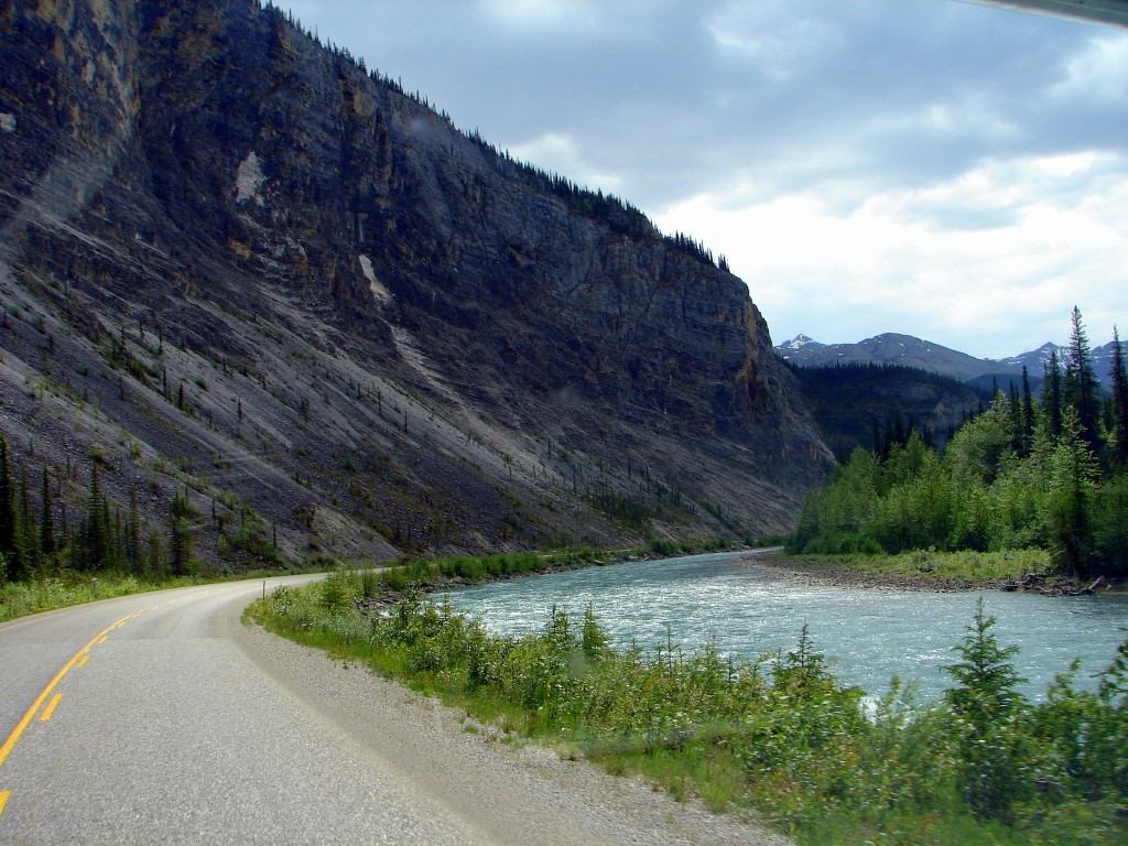 Fort Nelson to Liard Hot Springs pretty river and mountain
