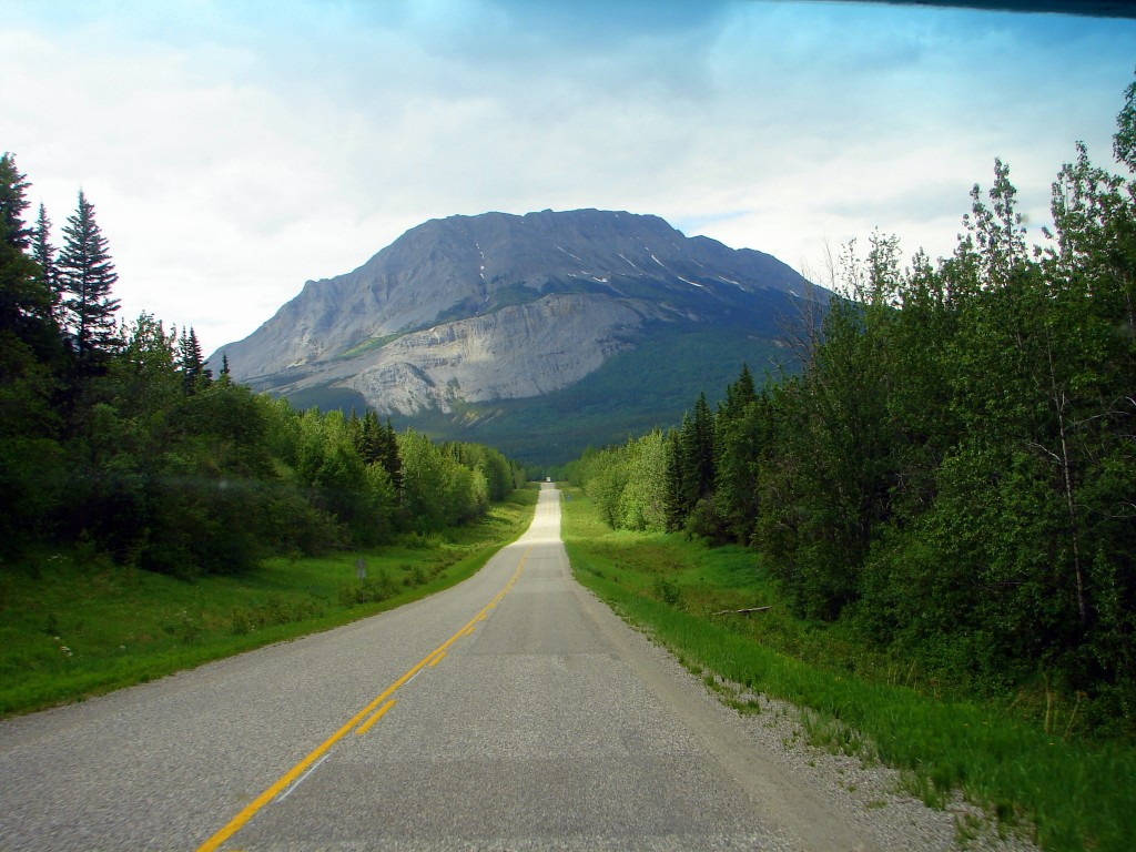 Fort Nelson to Liard Hot Springs straight and pretty